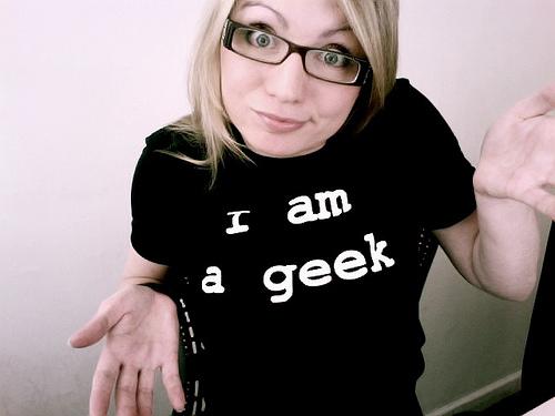 Social Media Women Geeks and Mobiles iPhones