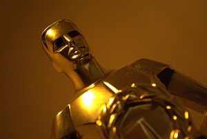 Online Social Media Buzz Oscars and Twitter